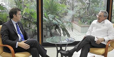 Raúl Castro na breve audiencia concedida ao presidente da Xunta