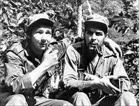 Na fotografía, Raúl Castro e Che Guevara durante revolução cubana.