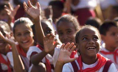 Cuba, á cabeza de América Latina en atención social e educación