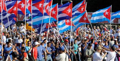 Preservar e perfeccionar o socialismo, lema do Primeiro de Maio na praza da Revolución