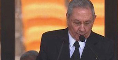Raúl durante o seu discurso en Joanesburgo