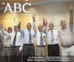 O xornal ABC celebrara en portada no 2010 a chegada  dos mesmos que recomenda agora repatriar