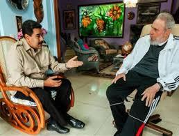 O presidente Maduro conversa con Fidel na Habana, en 2013.