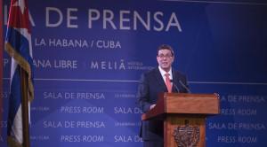 """""""Ninguém pode pretender Cuba tenha que renunciar a um só de seus princípios, nem a sua política externa comprometida com as causas justas do mundo e a defesa da autodeterminação dos povos"""" recordou Bruno Rodríguez Parrilla."""