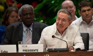 Raúl Castro criticou a inxeréncia da OEA contra Venezuela.