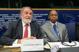 Competindo en elegáncia co requintado Mayor Oreja, Guillermo Fariña fai dubidar a ONU dos seus estarrecedores relatos de tortura e represión.