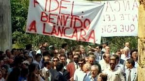 No 90 aniversário de Fidel, a prensa recorda o éxito da súa visita a Galiza no 92.