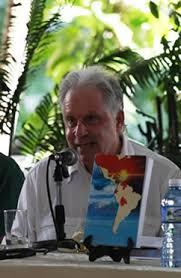 Arnold August presentou na Habana o seu segundo libro sobre a democracia en Cuba.