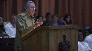 Raúl trazou no Parlamento tres obxectivos para mellorar a economia: garantir as exportacións, incrementar a producción nacional e reducir todo gasto non imprescindíbel.